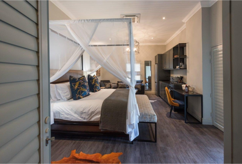 Caracal-guest-accommodation-room